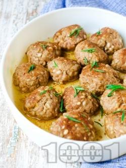 Печени кюфтета със свинска кайма, жито и розмарин - снимка на рецептата